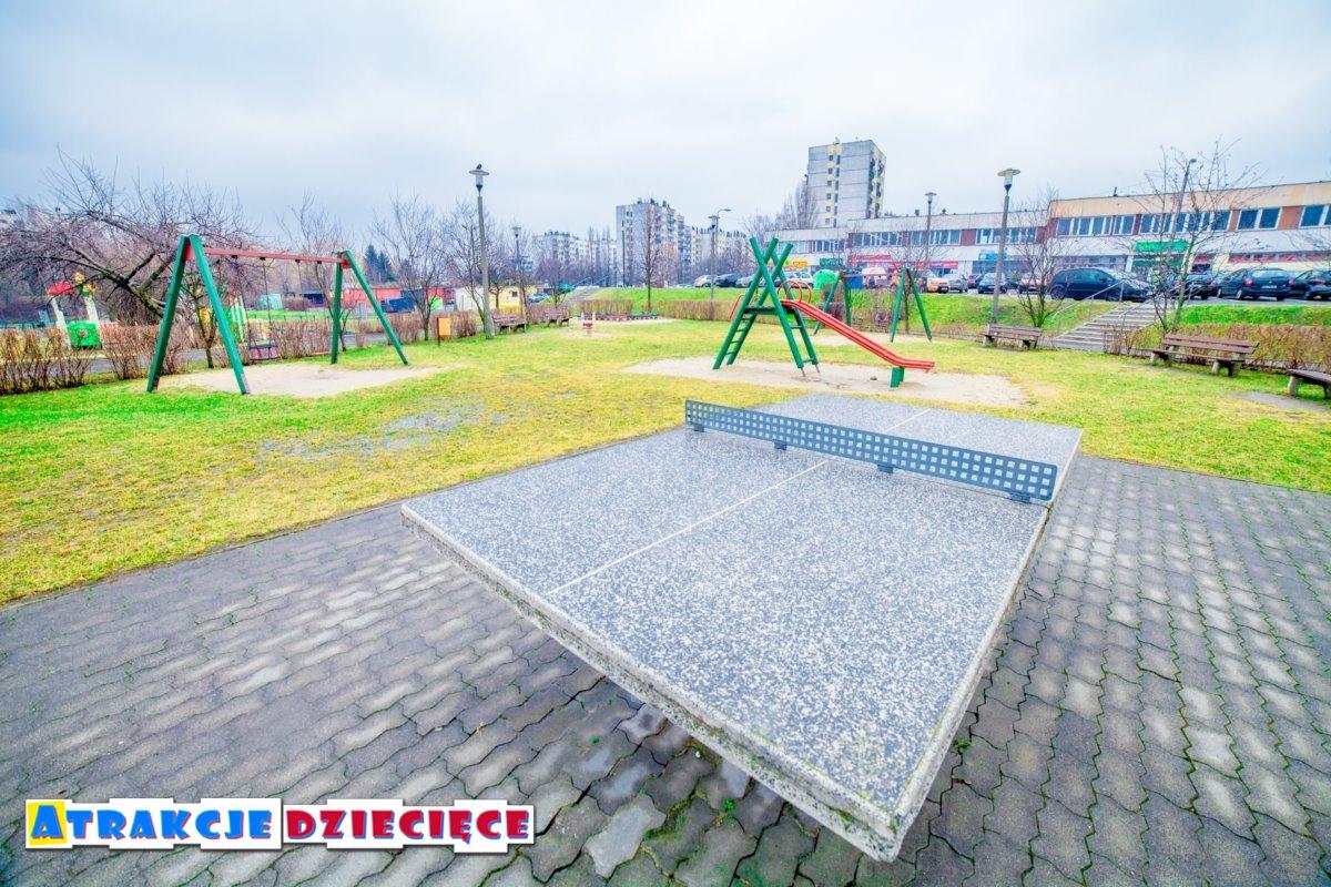 Plac zabaw na osiedlu Paderewskiego w Katowicach