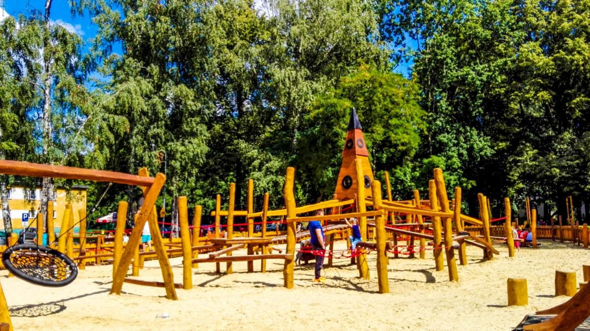 Siemianowice Śląskie Park Pszczelnik Plac zabaw