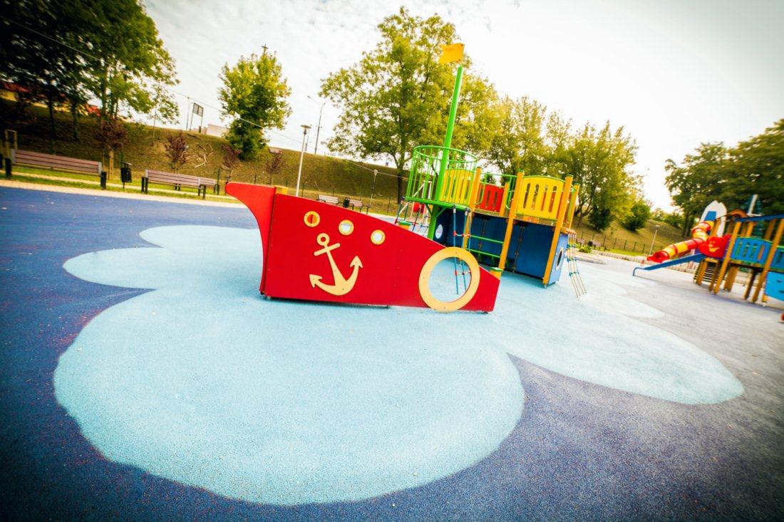 Plac zabaw na osiedlu Warpie w Będzinie