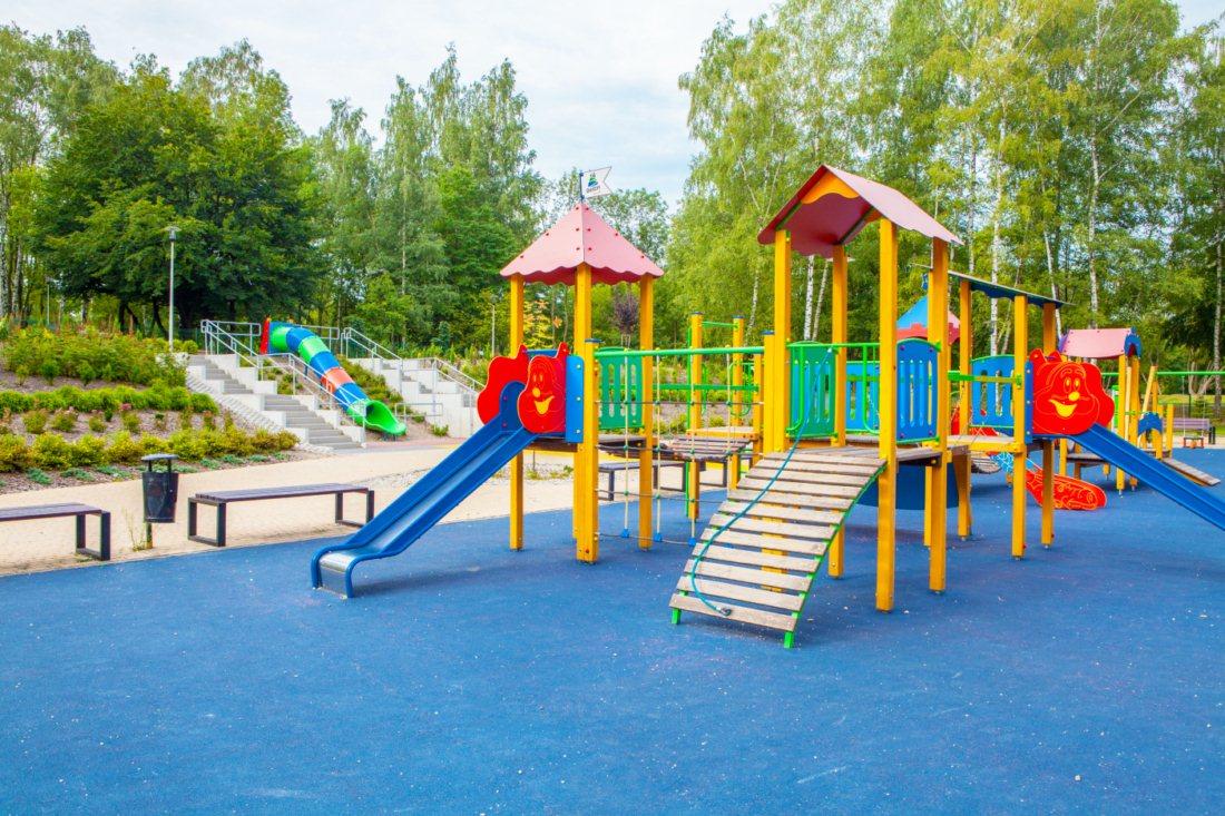 plac zabaw w Będzinie na osiedlu Warpie